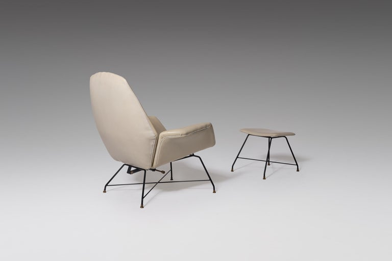 Italian Reclining Lounge 'Lotus' Lounge Chair with Hocker by Augusto Bozzi for Saporiti For Sale