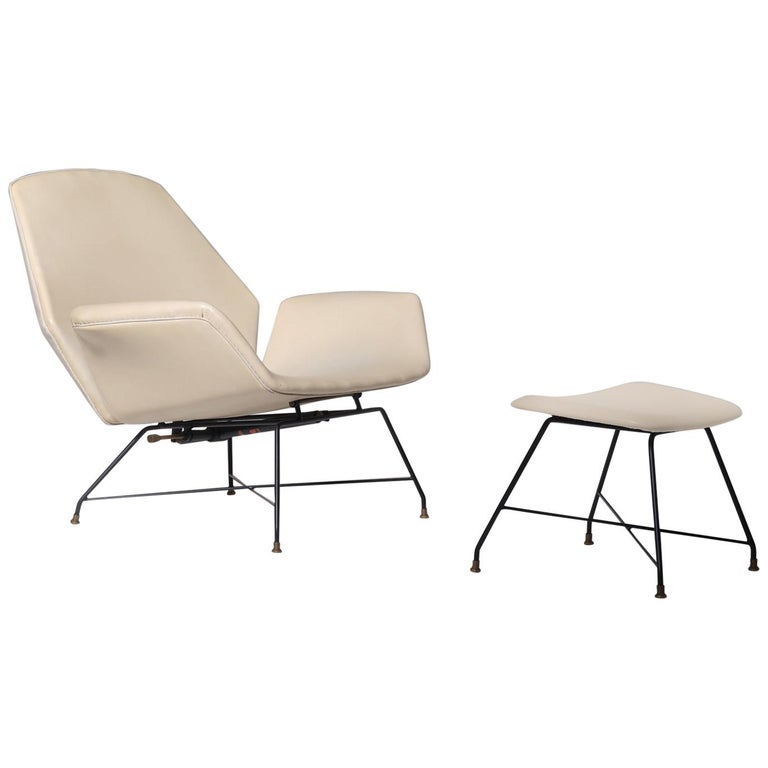 Reclining Lounge 'Lotus' Lounge Chair with Hocker by Augusto Bozzi for Saporiti For Sale