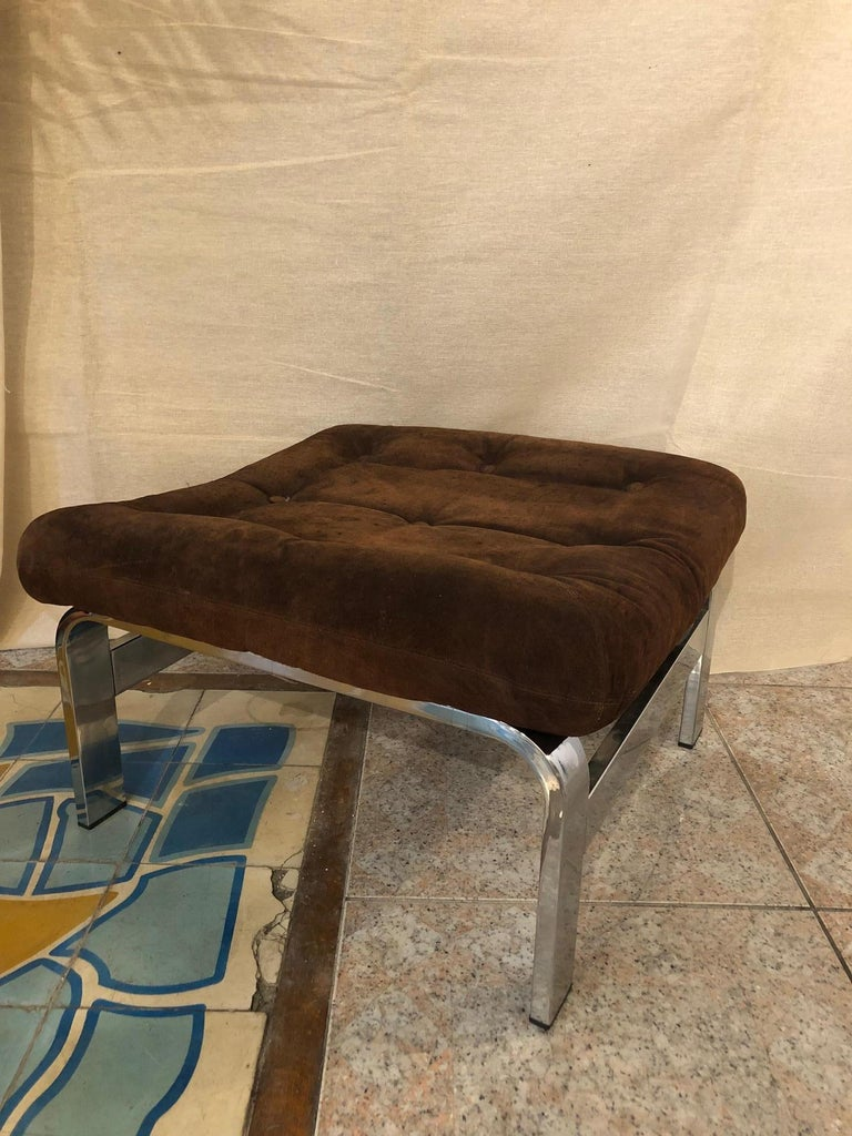 Reclining Suede Armchair with its Matching Ottoman For Sale 3