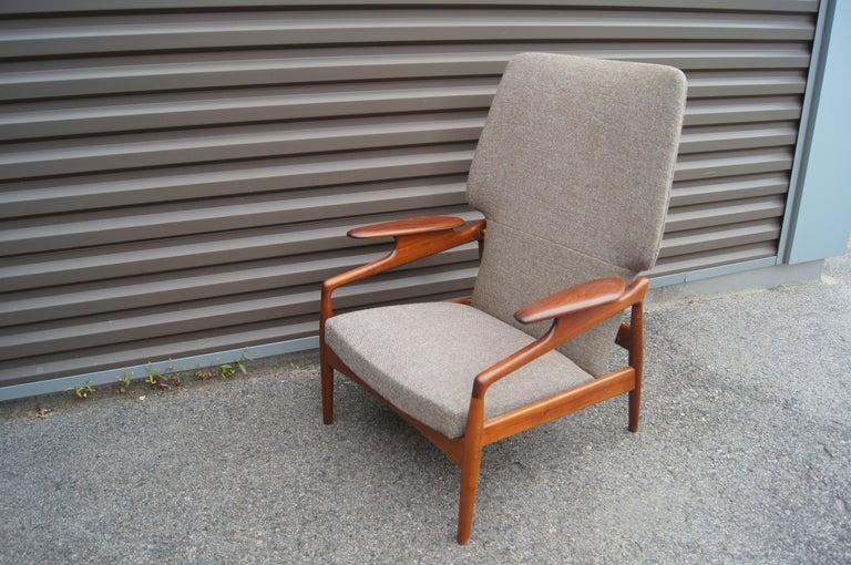 Scandinavian Modern Reclining Teak Lounge Chair by John Boné For Sale