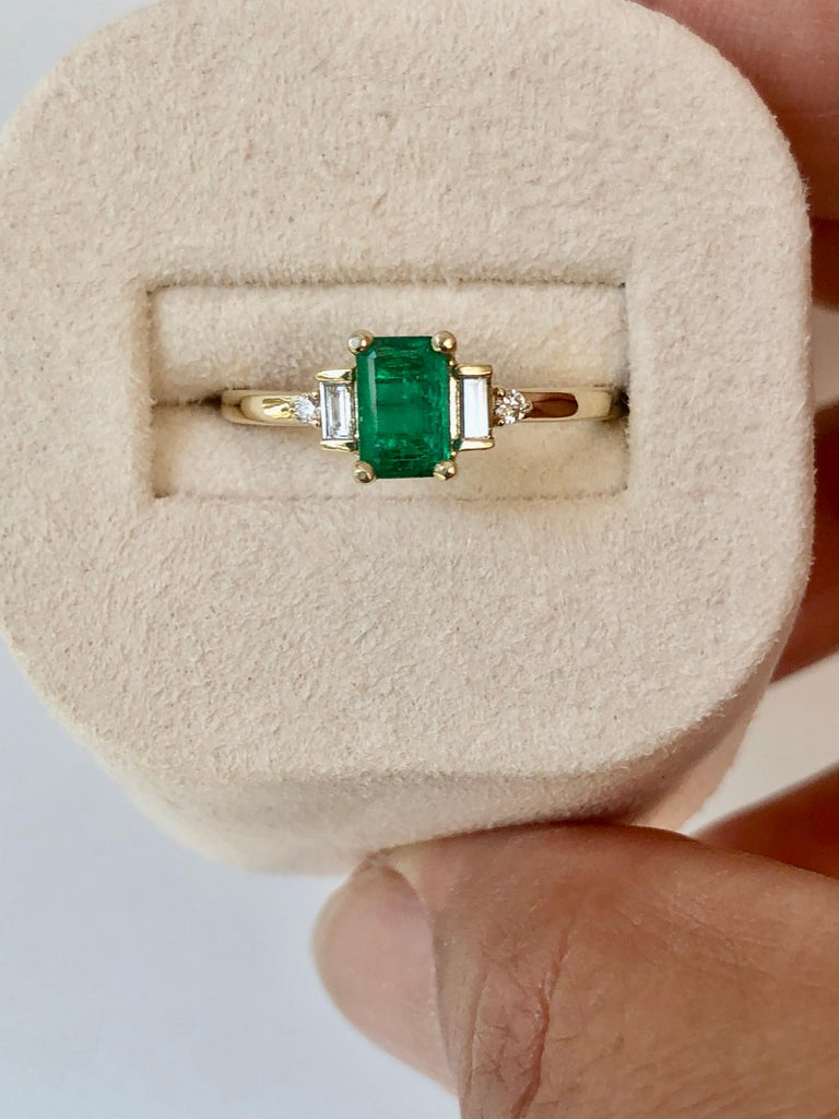 Rectangular Cut Emerald and Diamond Ring Gold For Sale 4