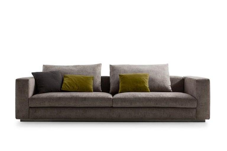 Modern Molteni&C Rectangular Decorative Cushion Olive Green Velvet For Sale