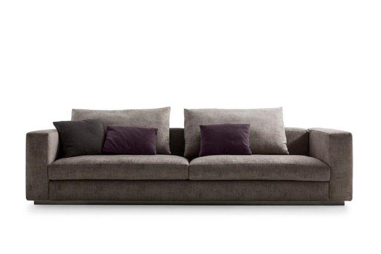 Modern Molteni&C Rectangular Decorative Cushion Velvet For Sale