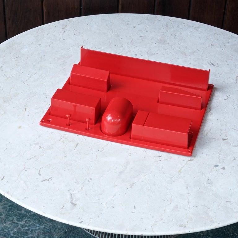American Red 1970s Organizer Wall-All III Uten.Silo Dorothee Maurer-Becker Pop Art Era