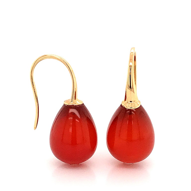 Oval Cut Red Agathe and Yellow Gold 18 Karat Drop Earrings For Sale