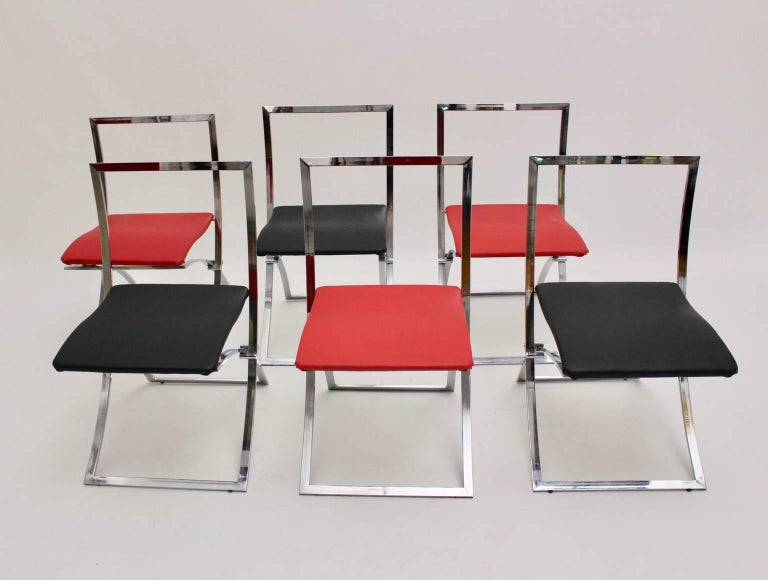 Six pieces of dining chairs