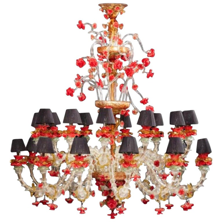 Red and Gold Sumptuous Murano Glass Chandelier, 1980s For Sale