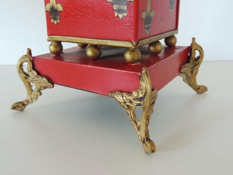 English Red and Gold Tall Cachepot with Fleur-de-Lis Design For Sale