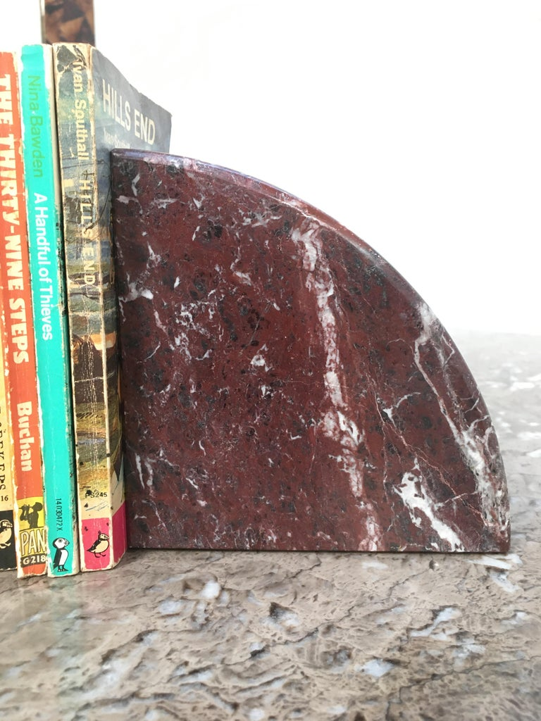 Red and Grey-Green Marble Bookends 1990s Postmodern Memphis In Good Condition In Melbourne, AU