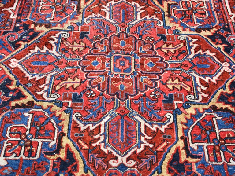 Red Antique Persian Heriz circa 1920, Good Condition Clean Hand Knotted  For Sale 1