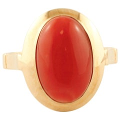 Red Coral, 18 Karat Yellow Gold Classic Retro Ring