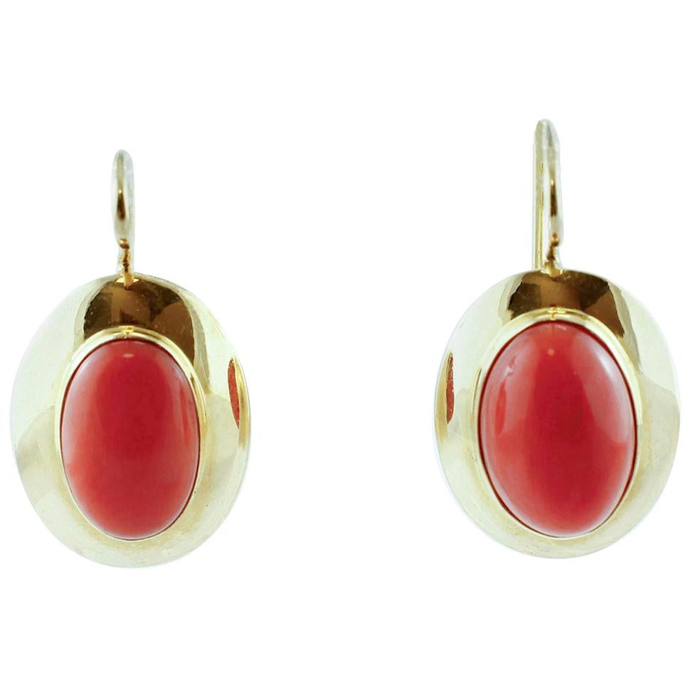 Red Coral, 18 Karat Yellow Gold Classic Stud Earrings