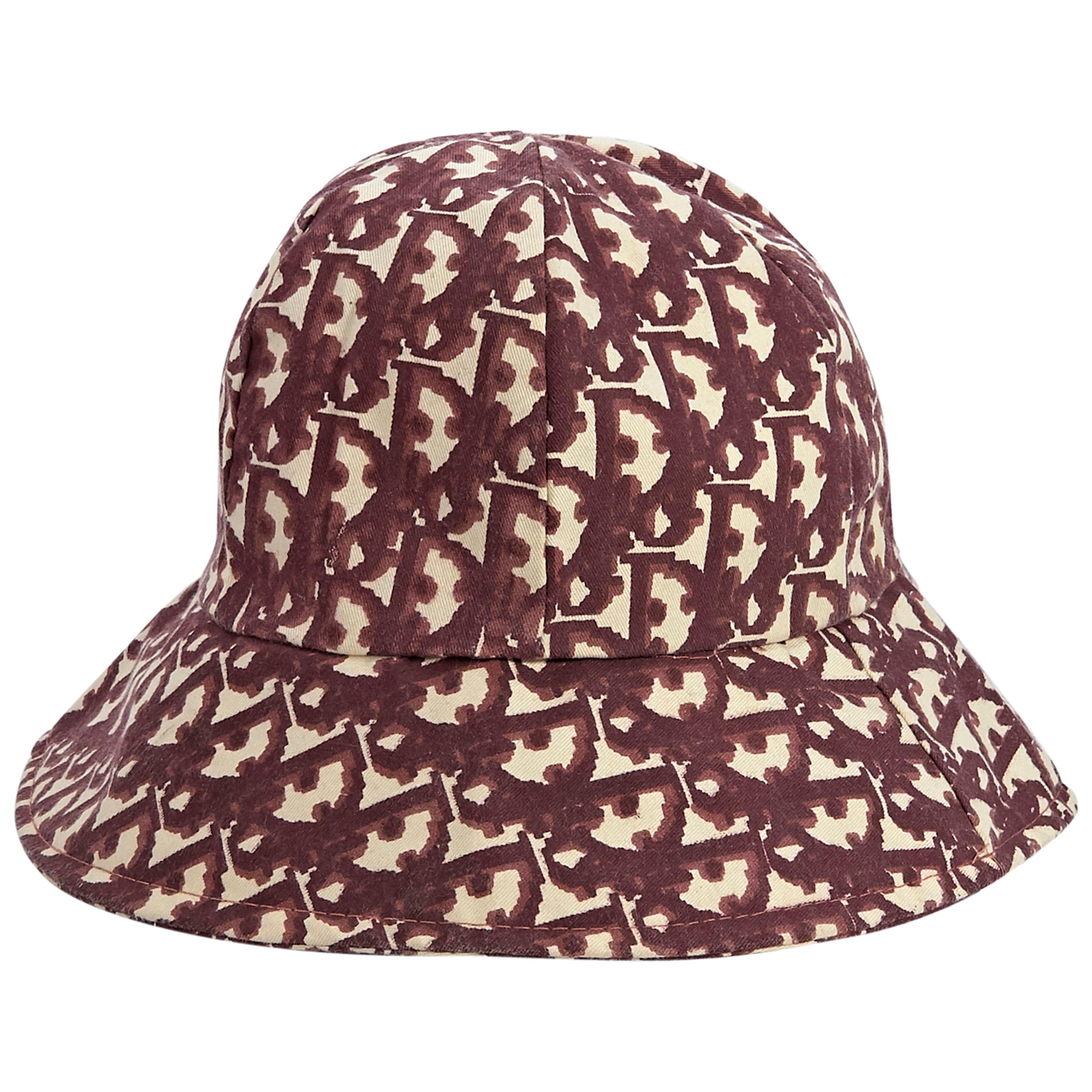 7516dbcfb91a3a Vintage and Designer Hats - 1,174 For Sale at 1stdibs
