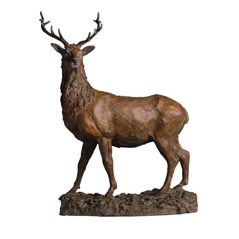 Symbol of spiritual authority, a red deer stag is here depicted in all its magnificent elegance. Vincenzo Romanelli studied this animal up close in the wilderness of the Scottish highlands and created a clay model. When he returned to his Florentine
