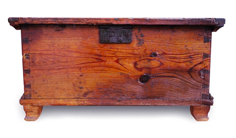 Red Floral Painted Chest Box, 1857 For Sale 4