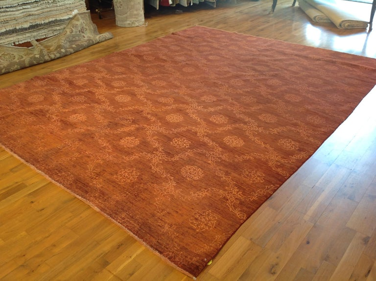 Red Floral Stencil Design Wool and Silk Area Rug In New Condition For Sale In West Hollywood, CA