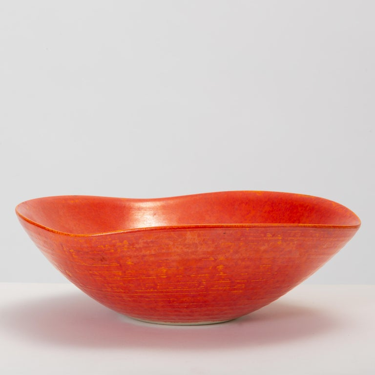 Mid-Century Modern Red Glazed Studio Pottery Bowl For Sale