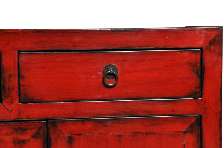 Red Lacquered Chinese Sideboard with Five Drawers and Three Shelves For Sale 7