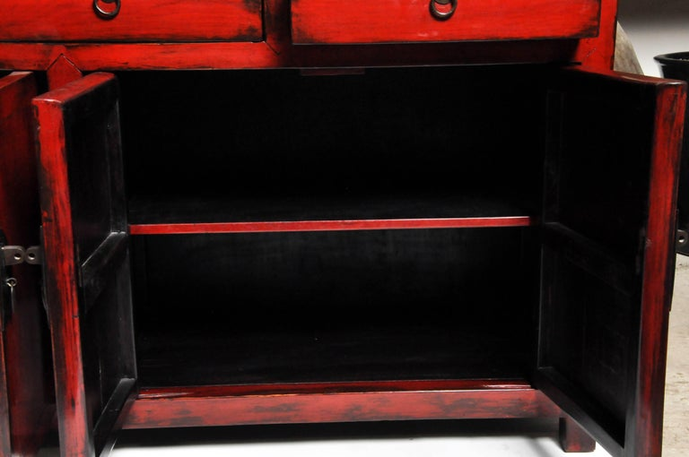 Red Lacquered Chinese Sideboard with Five Drawers and Three Shelves For Sale 10