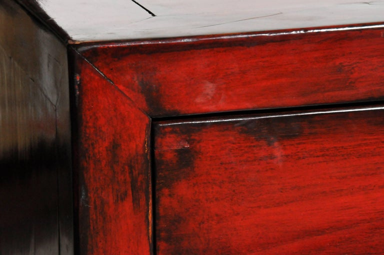 Red Lacquered Chinese Sideboard with Five Drawers and Three Shelves For Sale 3