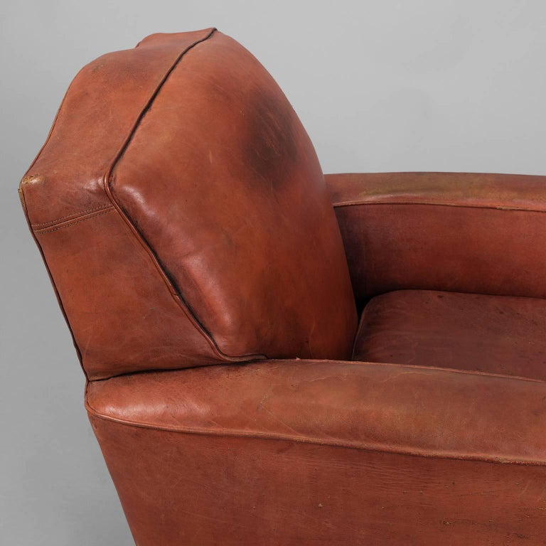 Red Leather Club Armchair, circa 1940 In Good Condition For Sale In Saint-Ouen, FR