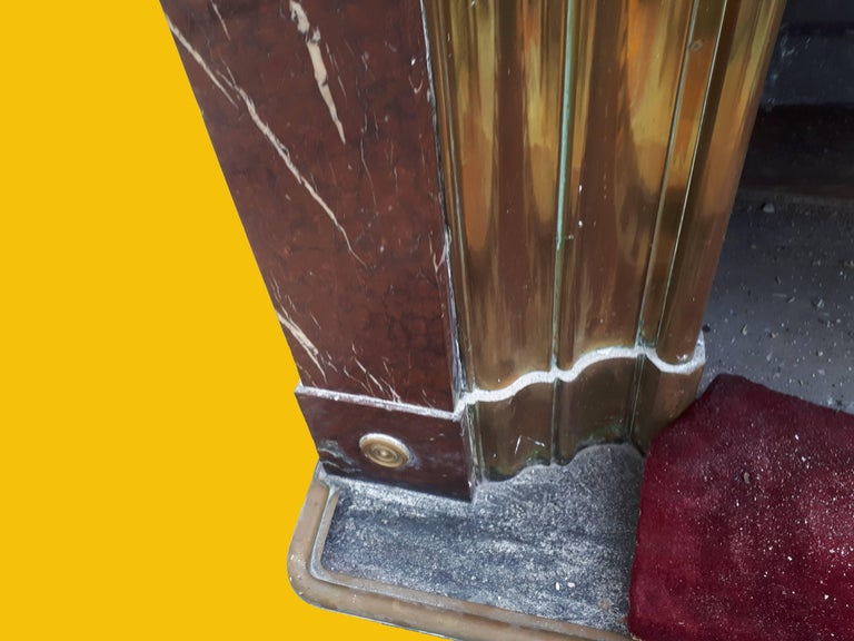 Red Marble French Fireplace, circa 1880 In Good Condition For Sale In London, GB