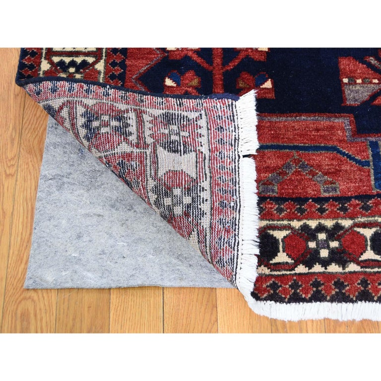 Hand-Knotted Red New persian Bakhtiari Pure wool Hand Knotted Oriental Rug For Sale