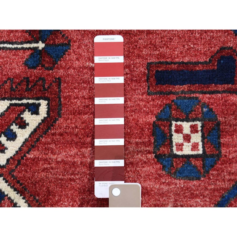 Wool Red New persian Bakhtiari Pure wool Hand Knotted Oriental Rug For Sale