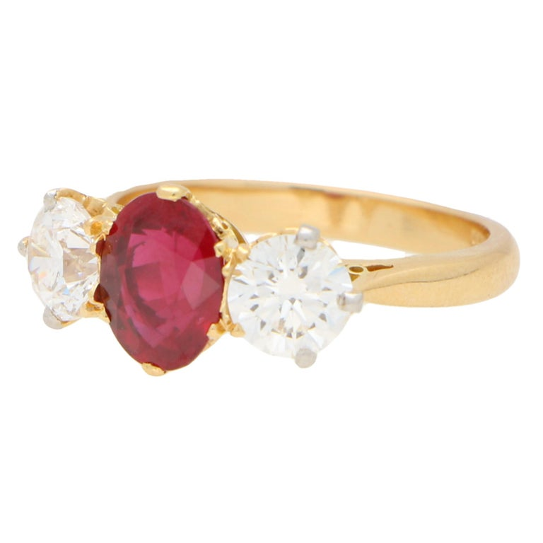 Modern Red Ruby and Diamond Three-Stone Engagement Ring Set in 18 Karat Yellow Gold For Sale