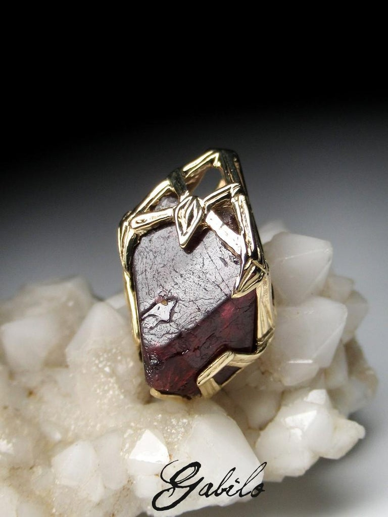 Artisan Red Spinel Crystal 18K Yellow Gold Pendant Dark Cherry Natural Raw Uncut Stone For Sale