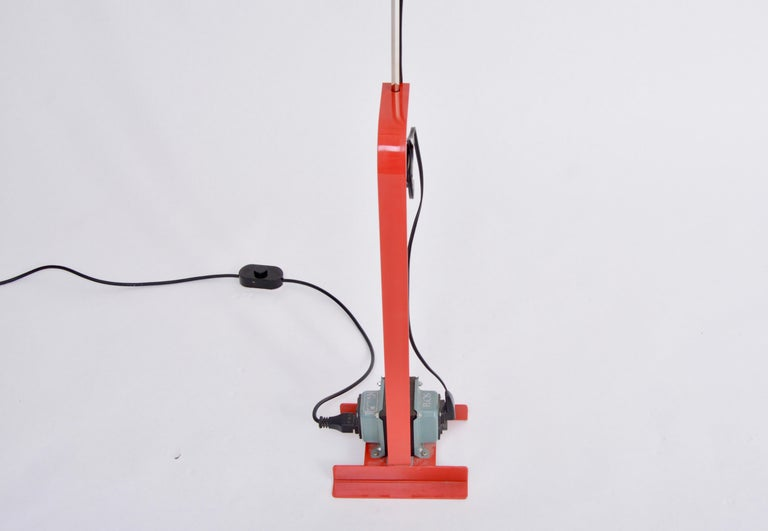 Red Toio Floor Lamp by Achille and Pier Giacomo Castiglioni for Flos, 1962 In Good Condition For Sale In Berlin, DE