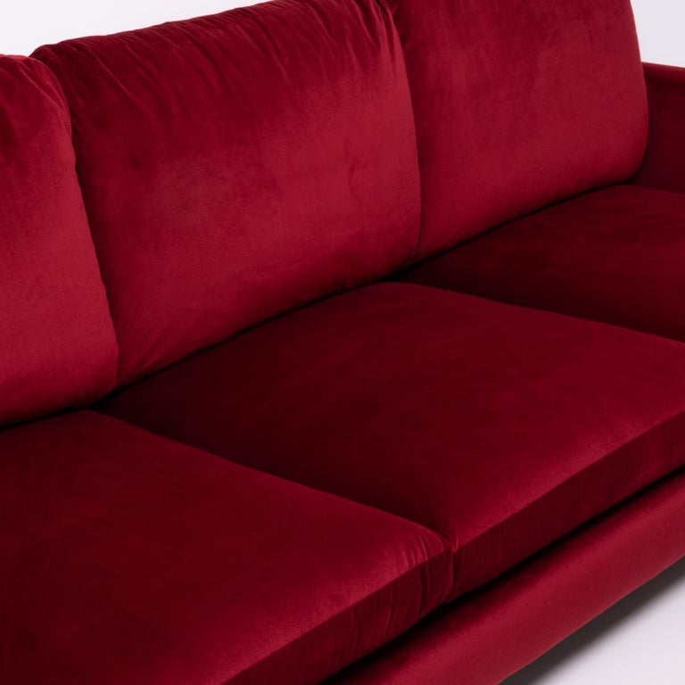Red Velvet Harry Three-Seat Sofa by Antonio Citterio for B&B Italia In Excellent Condition For Sale In London, GB