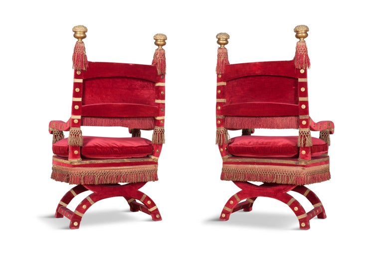Eclectic Red Velvet Italian Throne Chairs In Good Condition For Sale In Antwerp, BE