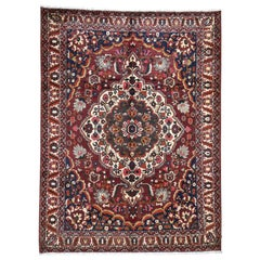 Red Vintage Persian Bakhtiari Exc Condition Pure Wool Hand Knotted Oriental Rug