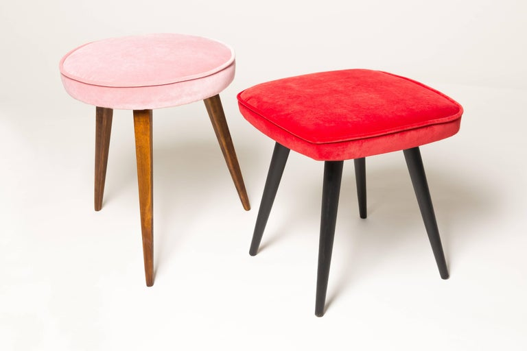 Red Vintage Stool, 1960s In Excellent Condition For Sale In 05-080 Hornowek, PL