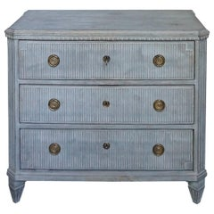 Reeded Chest of Drawers in the Neoclassical Style