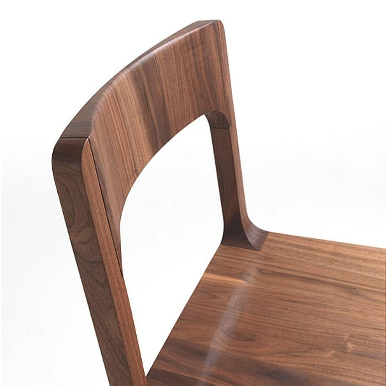 Refined Dining Chair In Excellent Condition For Sale In Paris, FR