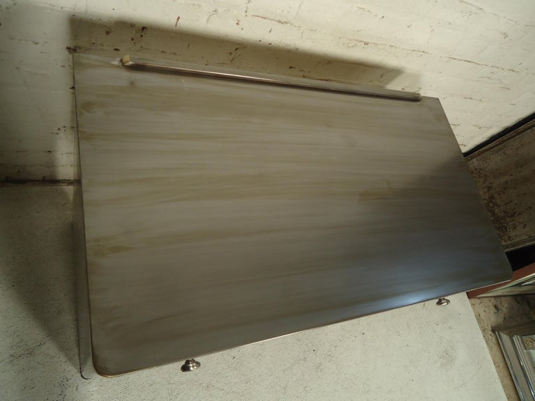Refinished Metal Vanity In Good Condition In Brooklyn, NY