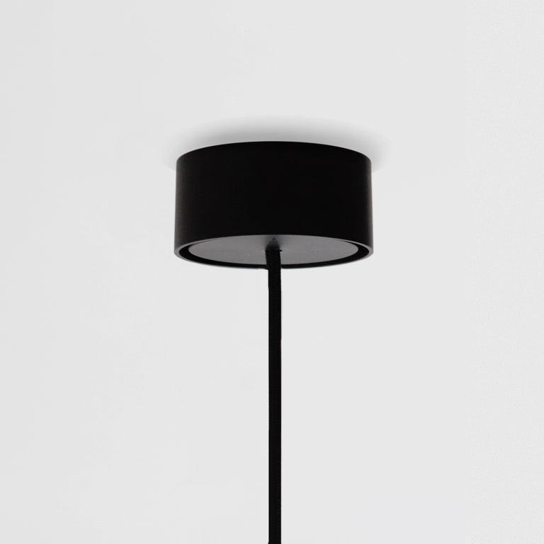 Reflector Linear LED Anodized Aluminum Pendant Light, Black / White Shade For Sale 4