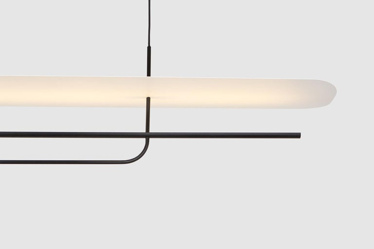 The reflector linear pendant is a luxury LED linear pendant, ideal for indoor lighting in dining & living rooms, study rooms, hallways and other domestic or commercial spaces that require accent lighting. Light is cast onto a floating reflector,