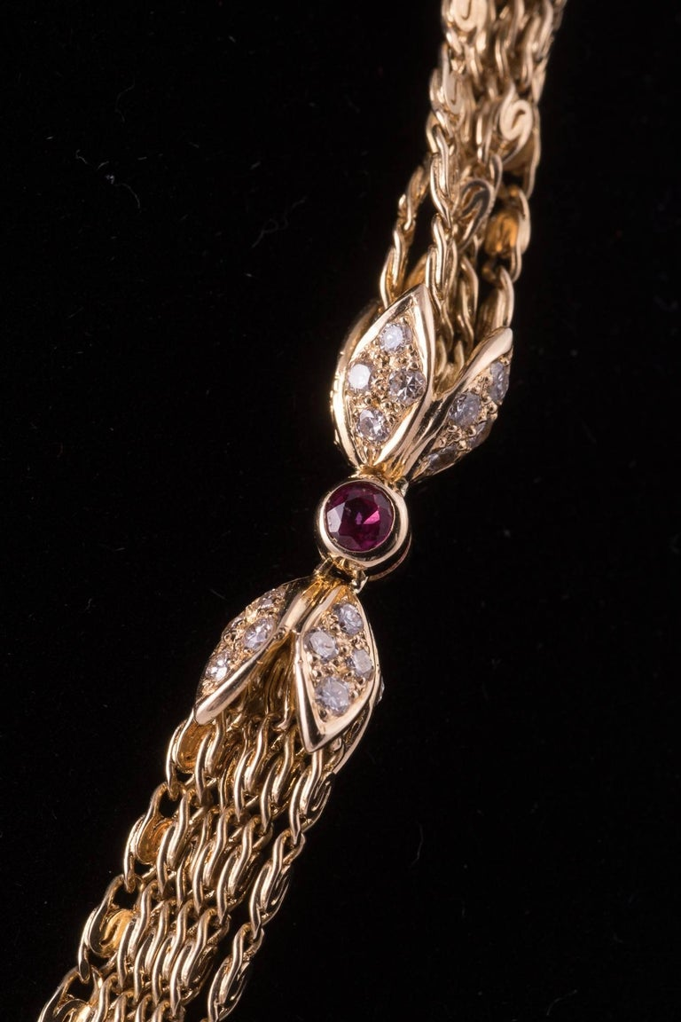 Regal Diamond Heart Necklace with Ruby and Diamonds in 18 Karat Gold In Excellent Condition For Sale In New Orleans, LA