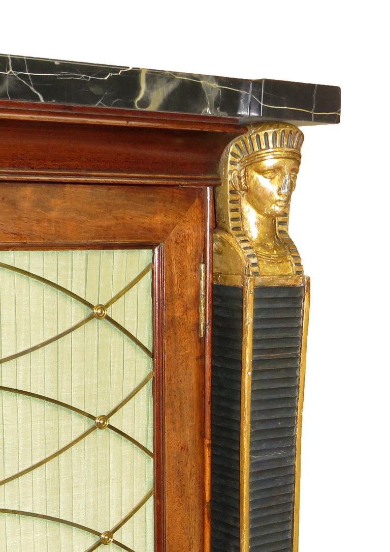 Regency 19th Century English Mahogany and Parcel Gilt Side Cabinet In Good Condition For Sale In Bedfordshire, GB