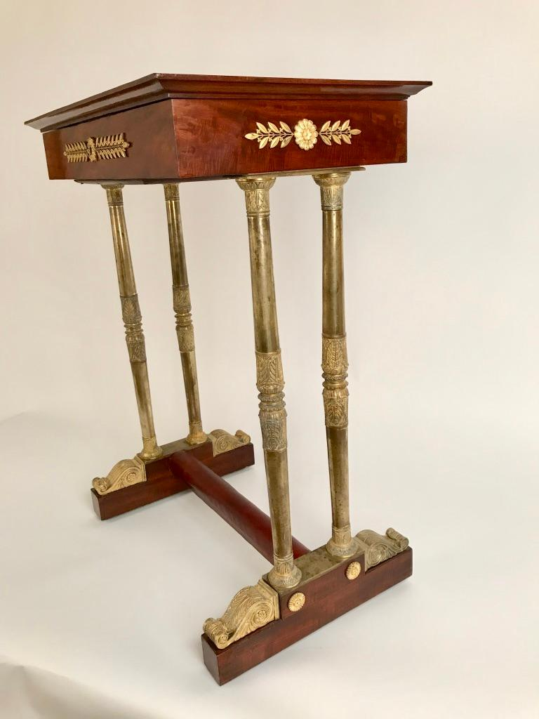 Regency Mahogany and Gilt Bronze Side Table In Good Condition For Sale In Stamford, CT
