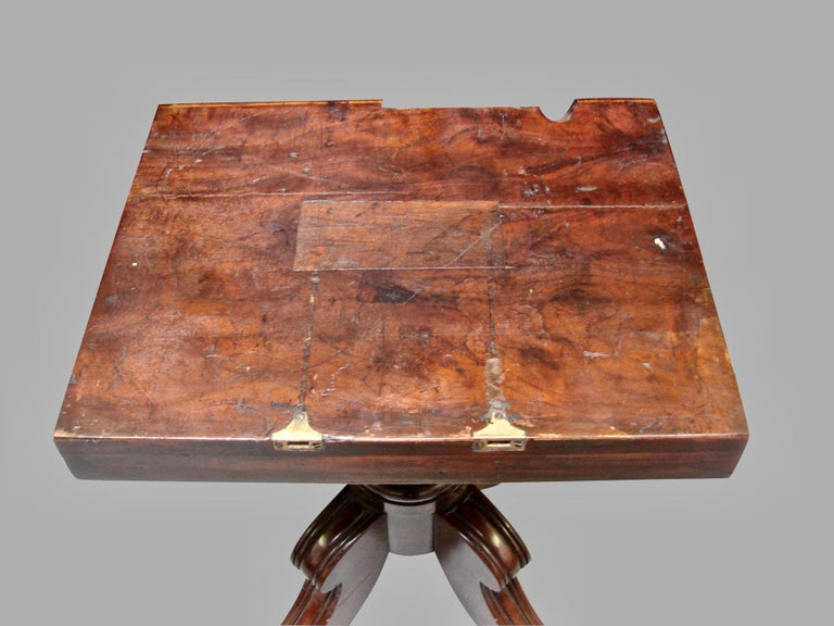 Regency Mahogany Dining Table with Single Leaf For Sale 1