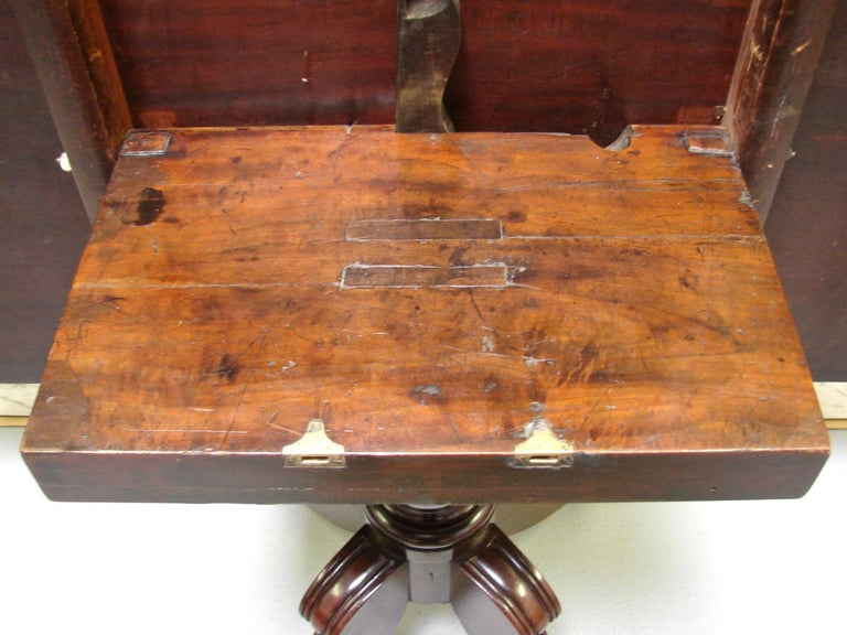 Regency Mahogany Dining Table with Single Leaf For Sale 3