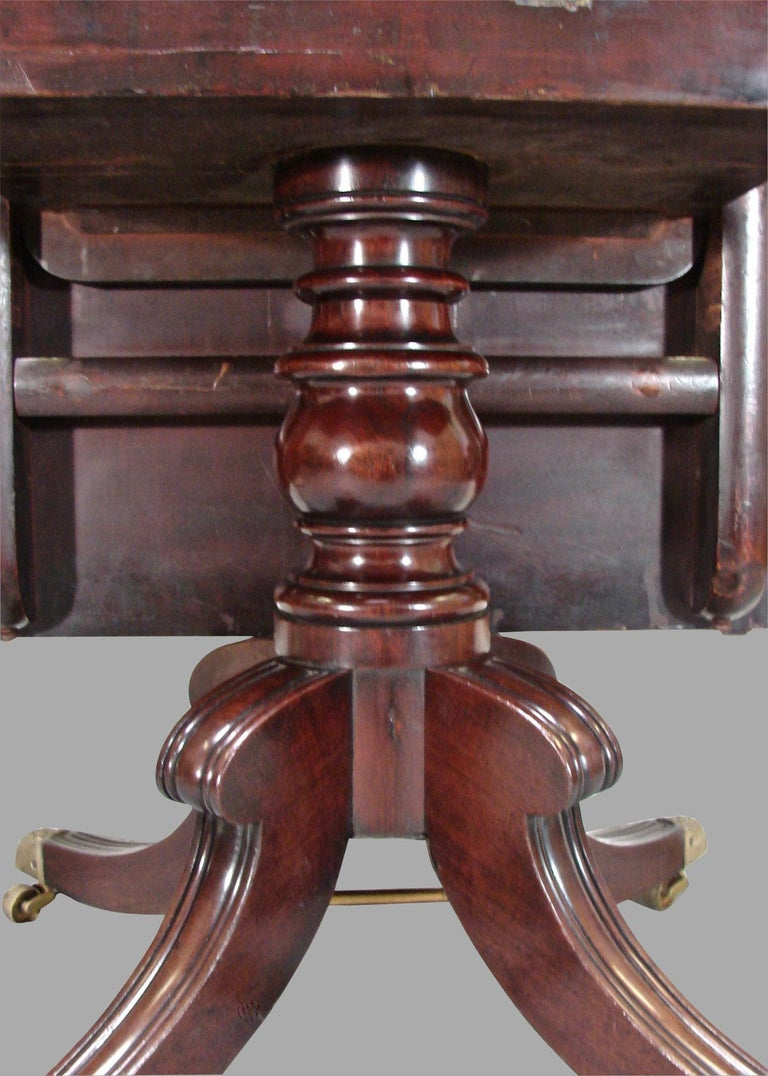 Regency Mahogany Dining Table with Single Leaf For Sale 4