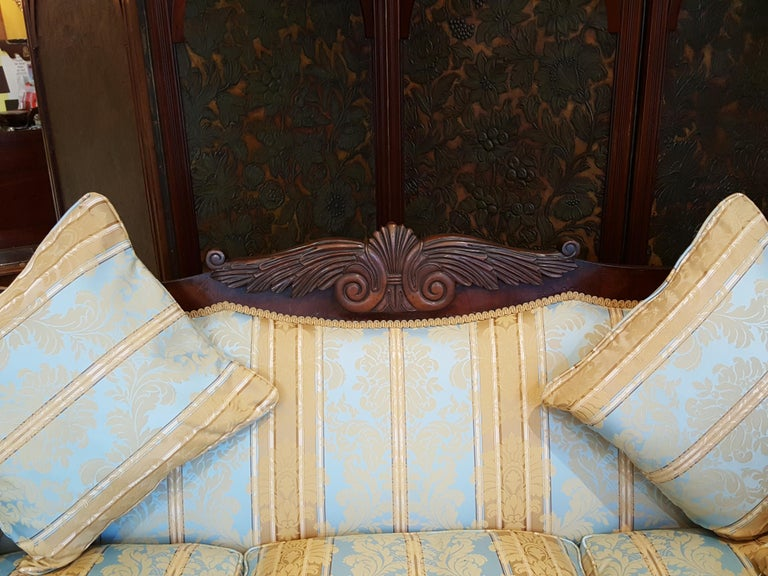 Regency Mahogany Framed Sofa In Good Condition For Sale In Altrincham, Cheshire