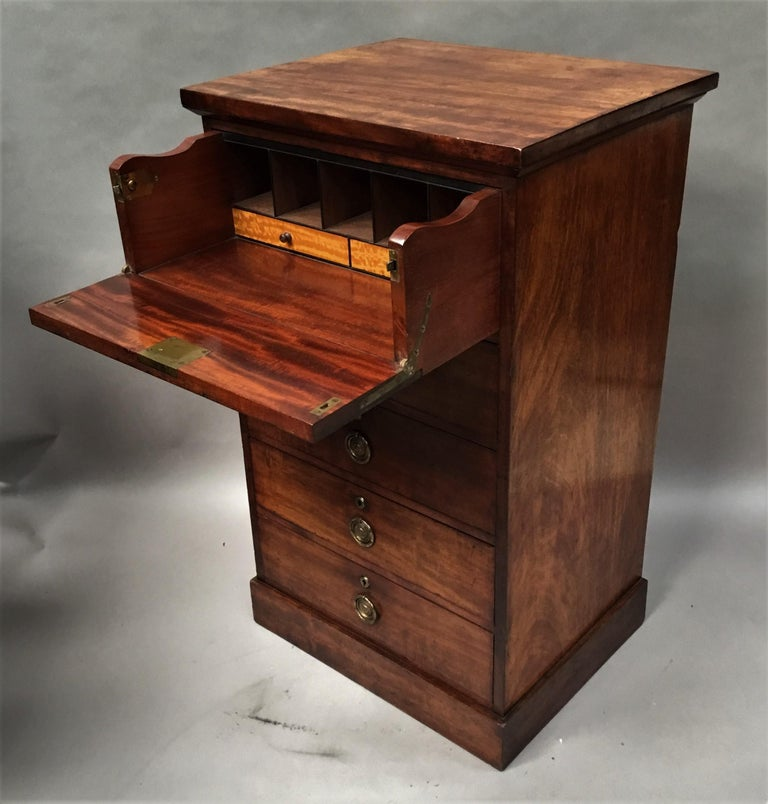 Regency Mahogany Secretaire Chest of Drawers Cabinet In Good Condition For Sale In Moreton-in-Marsh, Gloucestershire