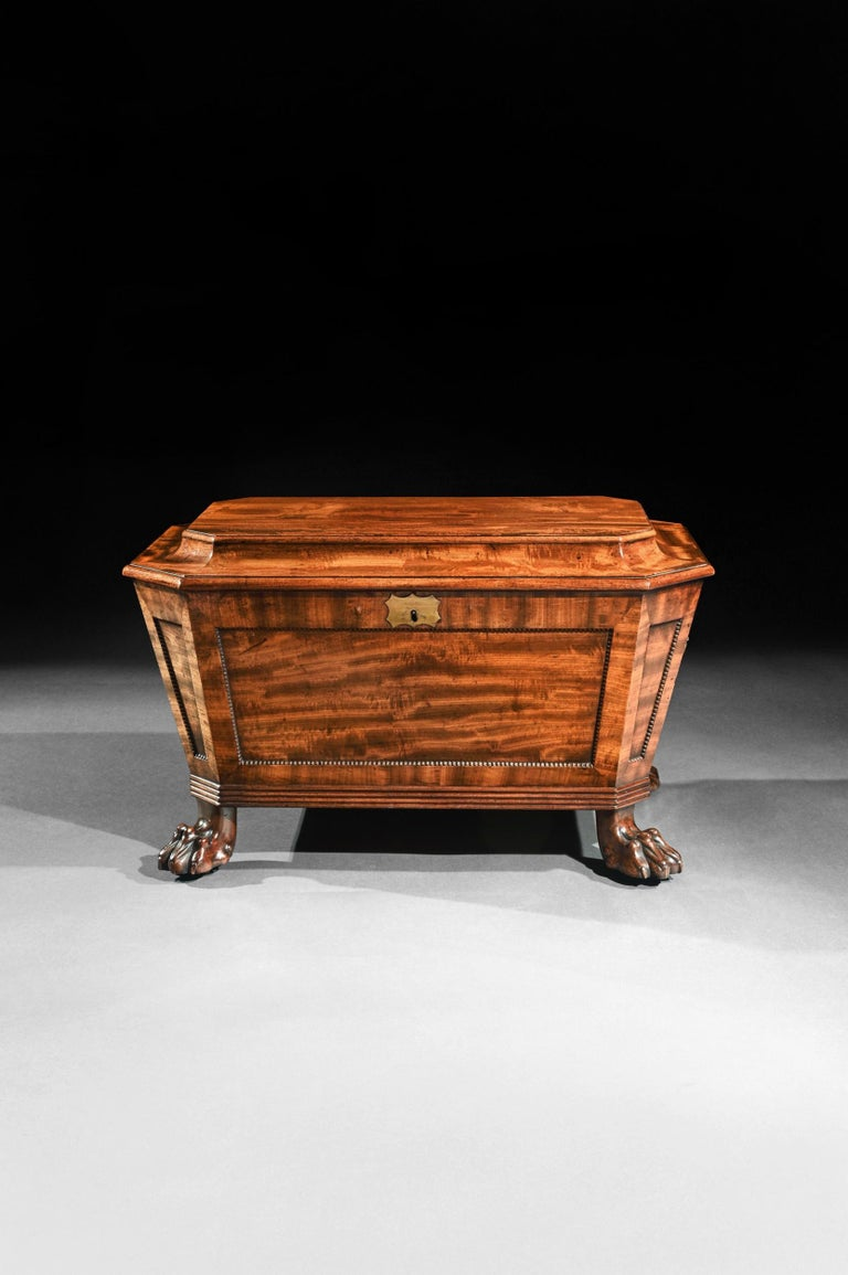 Regency Mahogany Wine Cooler Cellarette of Sarcophagus Form In Good Condition For Sale In Benington, Herts