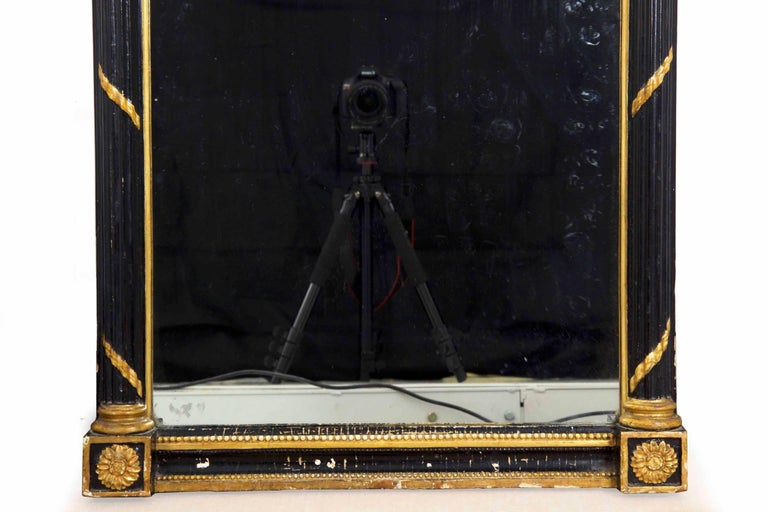 Regency Period Ebonized and Parcel Gilt Pier Mirror circa 1815 In Good Condition For Sale In Shippensburg, PA